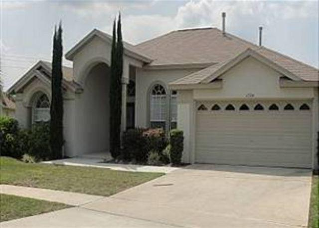 5 BED 4 BATH HOME WITH PRIVATE POOL & SPA - 3 MASTERS - Image 1 - Clermont - rentals
