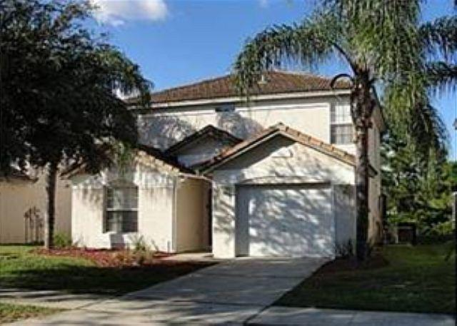 3 BED 2 BATH HOME WITH A PRIVATE SCREENED POOL BACKING TO GOLF COURSE - Image 1 - Haines City - rentals