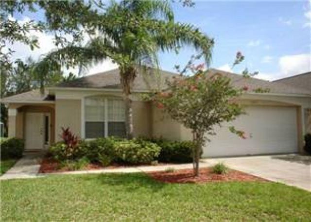 4 BED 2 BATH POOL HOME IN GATED COMMUNITY- SLEEPS 10 - Image 1 - Haines City - rentals