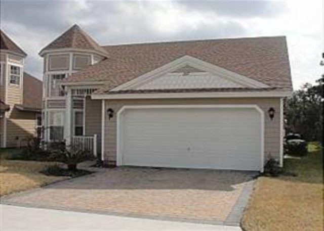 4 BED 2.5 BATH HOME WITH POOL IN GATED COMMUNITY - SLEEPS 10 - Image 1 - Haines City - rentals