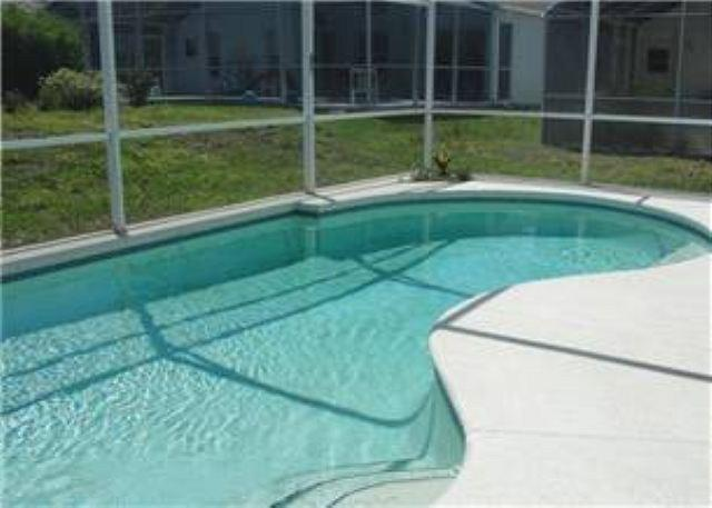 3 BED 2 BATH HOME WITH PRIVATE POOLIN GATED GOLF & COUNTRY CLUB - Image 1 - Haines City - rentals