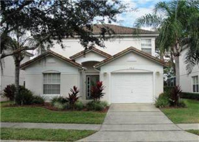 3 BED 2 BATH HOME WITH PRIVATE POOL- BACKS TO GOLF COURSE- IN GATED COMMUNITY - Image 1 - Haines City - rentals
