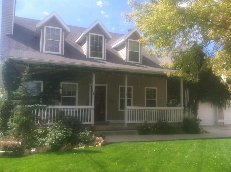 Beautiful country home in a very secluded setting - Large 5BR House Near Skiing & Downtown Salt Lake - South Jordan - rentals