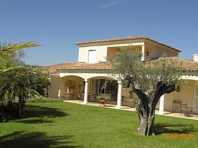 Front view of Villa - Stunning 5 bed Villa situated 8 Km from St Tropez. - Gassin - rentals