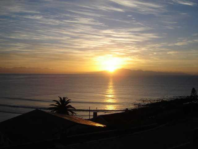 Sunrise at Sea Fever - Sea Fever Self Catering Cottage - Cape Town - rentals