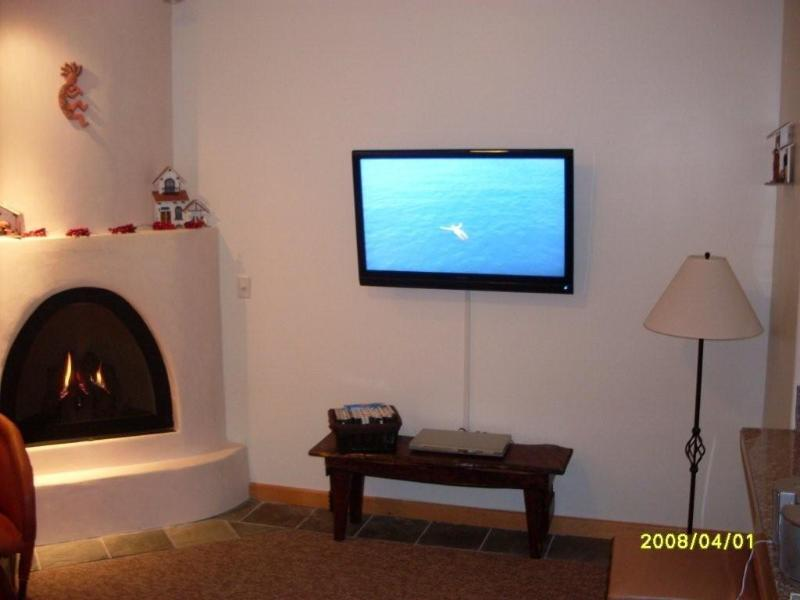 Living room view - Luxurious Taos Ski Valley Condo 2 Min from Lifts - Taos Ski Valley - rentals