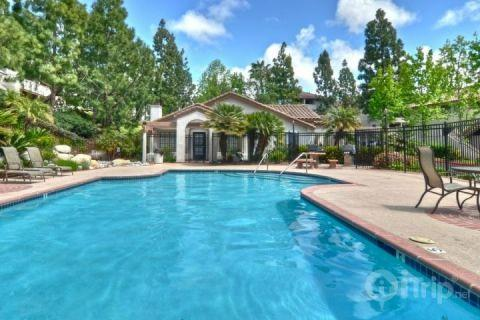 Refreshment-just a step away in the community pool - Vista Village - Oceanside - rentals