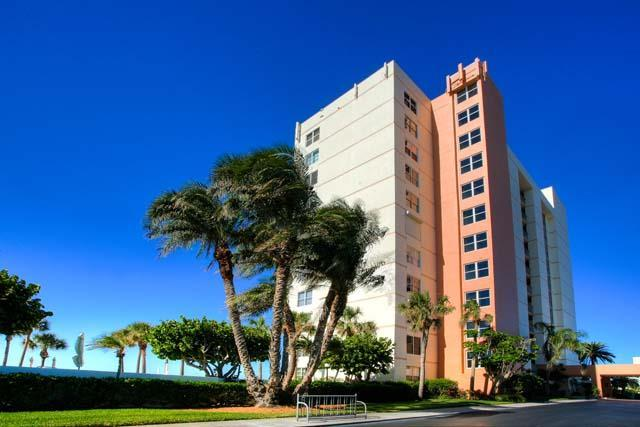 Exterior Front - Longboat Harbour Towers Condo - Longboat Key - rentals