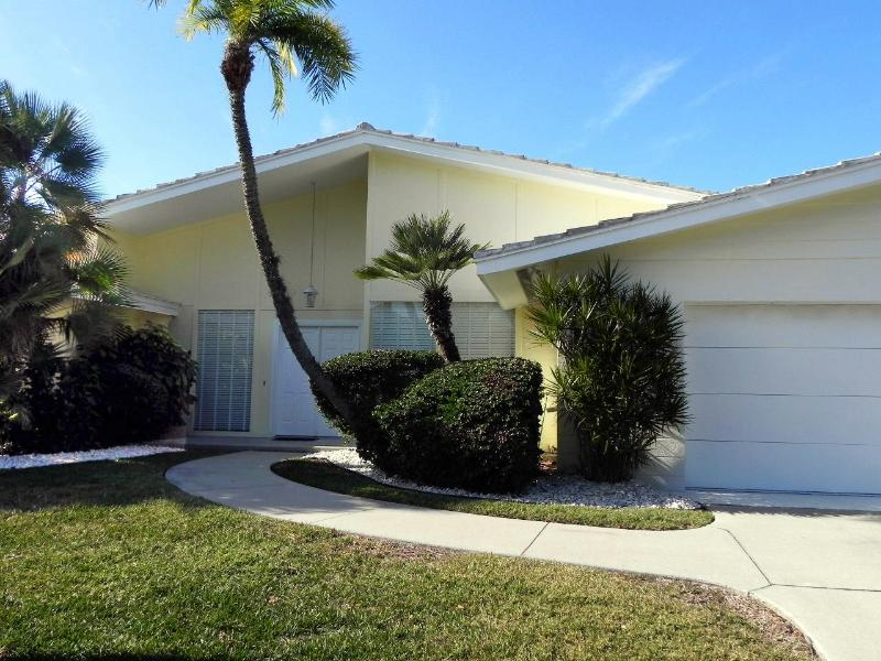 Welcome to Soaring Spirits - Soaring Spirits on Longboat Key updated 4 BR canal front pool home - Longboat Key - rentals