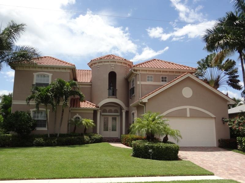 Front of the house - Little castle on Marco Island with 5 BR - ALGON36 - Marco Island - rentals