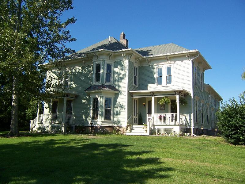 Little Lakes Inn, Honeoye Lake, New York - Little Lakes Inn Honeoye Lake - Honeoye Lake - rentals
