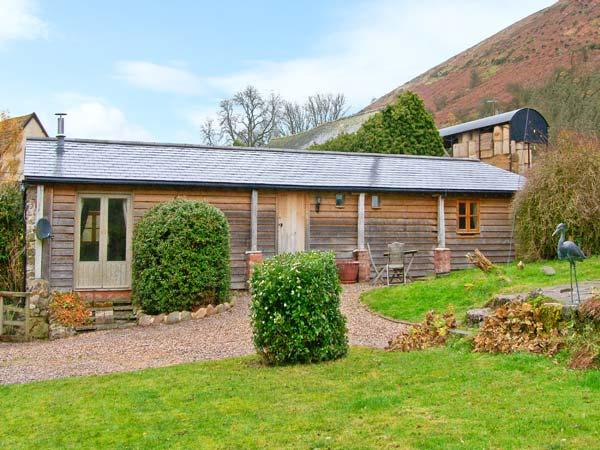WILLOW BROOK BARN, single-storey cottage, with woodburning stove, garden, parking, walks from door, in Asterton, Ref 15524 - Image 1 - Shropshire - rentals