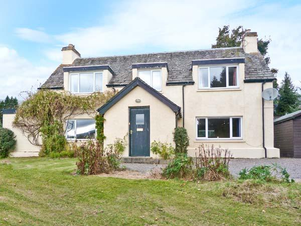 BALDOW COTTAGE, stone cottage, with AGA, open fire and enclosed garden, in Kincraig, Ref 18578 - Image 1 - Kincraig - rentals
