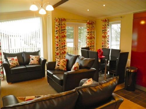 TRESCO LODGE, Hillside Park, Pooley Bridge, Nr Ullswater - Image 1 - Ullswater - rentals