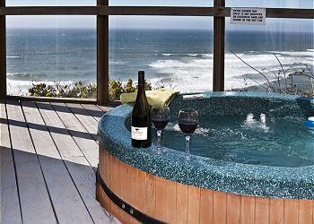 Hot tub - Submarine - Oceanfront w/ Hot Tub - Lincoln City - rentals