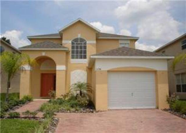 4 BEDROOM 3 BATH HOME WITH PRIVATE POOL, IN GATED GOLF CLUB COMMUNITY - Image 1 - Haines City - rentals