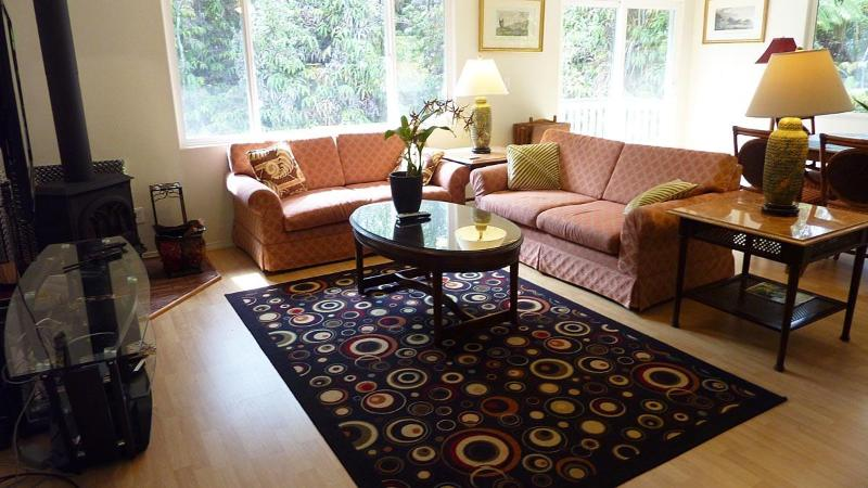 We used the same furniture as four star luxury resorts! - Royal Hawaiian Home - Volcano - rentals