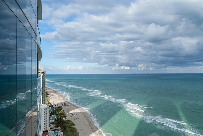 Views - Luxury 3 bedrooms Ocean Front in Sunny Isles!!!!! - Sunny Isles Beach - rentals