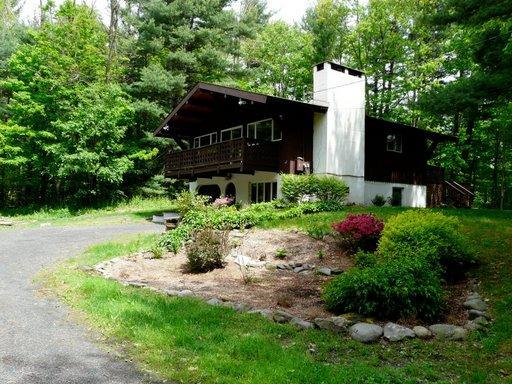 Secluded Yard - Catskills Chalet - Mount Tremper - rentals