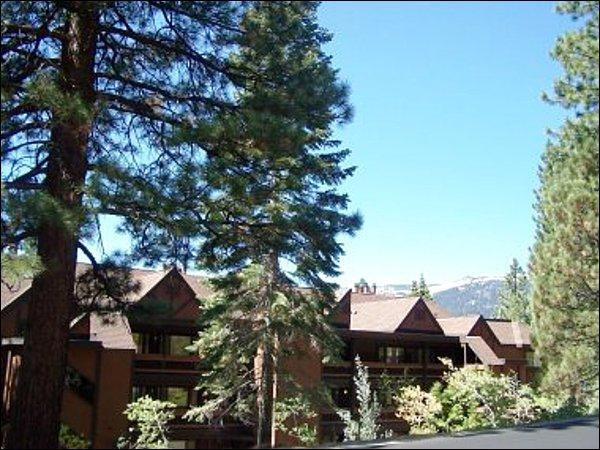 Nestled in the Heart of the Mountains - Intimately Spaced Condomium - Perfect for Couple or Small Family (1010) - Lake Tahoe - rentals