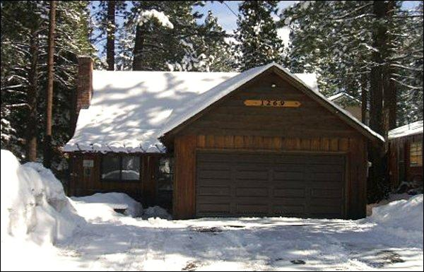 Across Road From National Forest HIking Trails - Large Group Cabin Accommodates Twelve  - One Mile to Dining and Shopping (1159) - Lake Tahoe - rentals