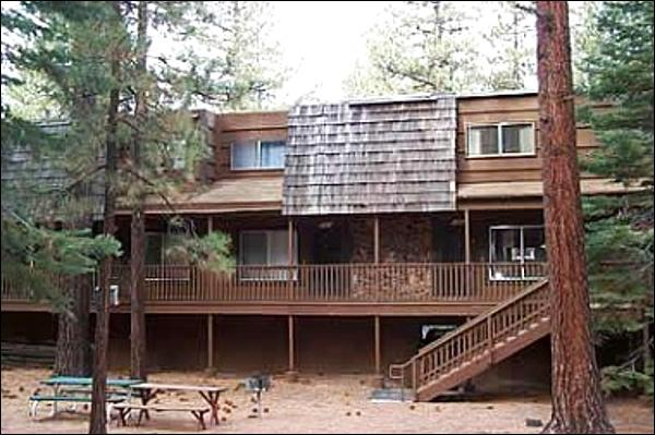 Cute Condo in a Great Location - Located in the Downtown Area - Wooded Surroundings (1168) - Lake Tahoe - rentals
