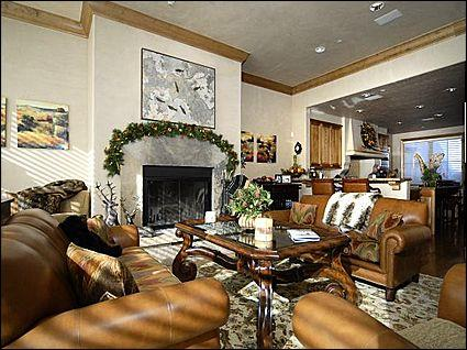Open Living Area - Owl Creek Town Home - Great Ski-in/SKi-out location (1725) - Aspen - rentals