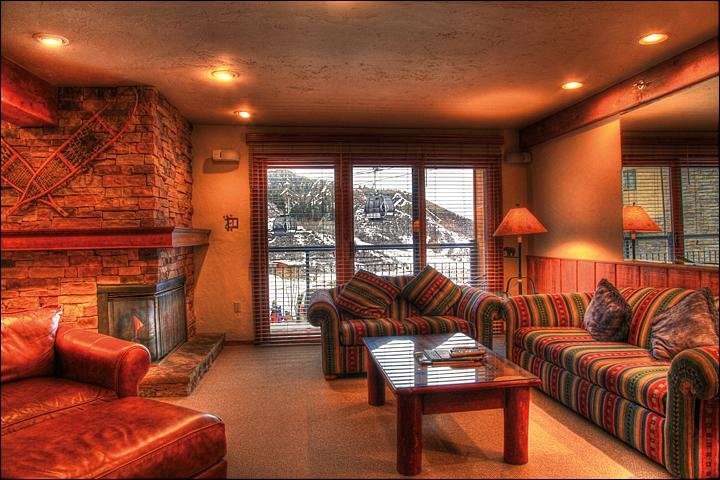 Living Room - Great Family Condo - Ski-in/Ski-out (2147) - Aspen - rentals