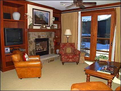 Lavishly Appointed living room with Gas Fireplace and Views - Snowmass Club - 2 Bedroom - Full Amenities (2149) - Snowmass Village - rentals