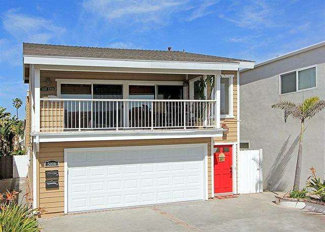 Two parking spots on the left - Lovely Lower Unit of a Duplex! Close to the Beach! (68298) - Newport Beach - rentals