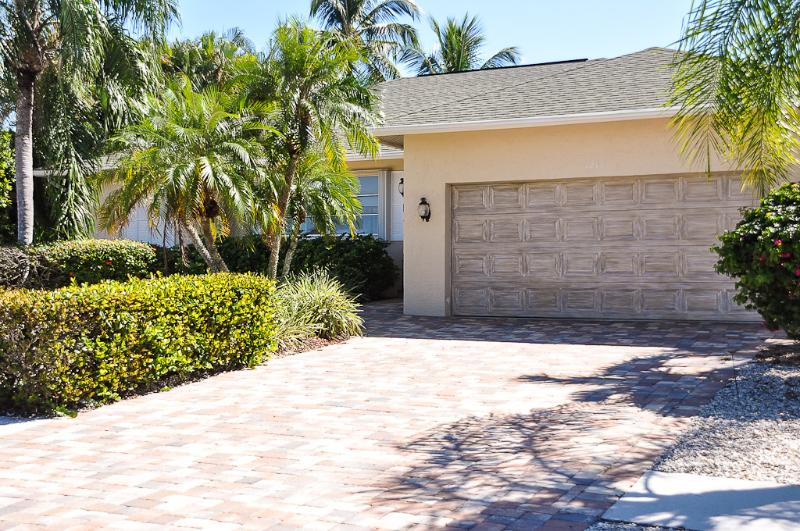 Spanish Ct - SPAN1211 - Charming Waterfront Home! - Image 1 - Marco Island - rentals