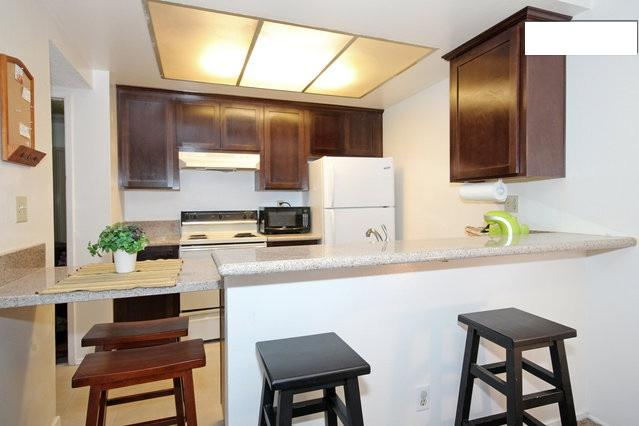 Kitchen/Dining - Cozy Condo in Mission Valley - Close to All! - San Diego - rentals