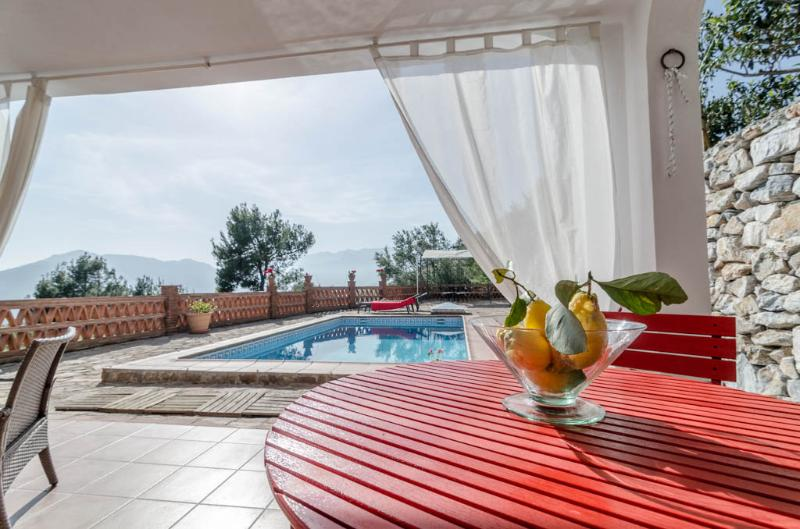 Outside dinning table with pool and sea view - Cottage with Private Swimming Pool and Sea View - Granada - rentals