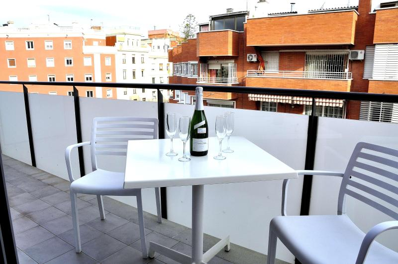 2 bed Barcelona Gracia apartment-private balcony - Image 1 - Barcelona - rentals