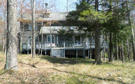 Serene Lake Michigan Home on High Bluff - Image 1 - Manistee - rentals