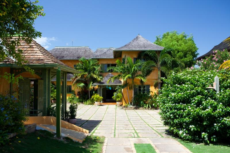 Keela Wee Villa at Discovery Bay, Jamaica - On The Beach, Luxury, Pool - Image 1 - Discovery Bay - rentals