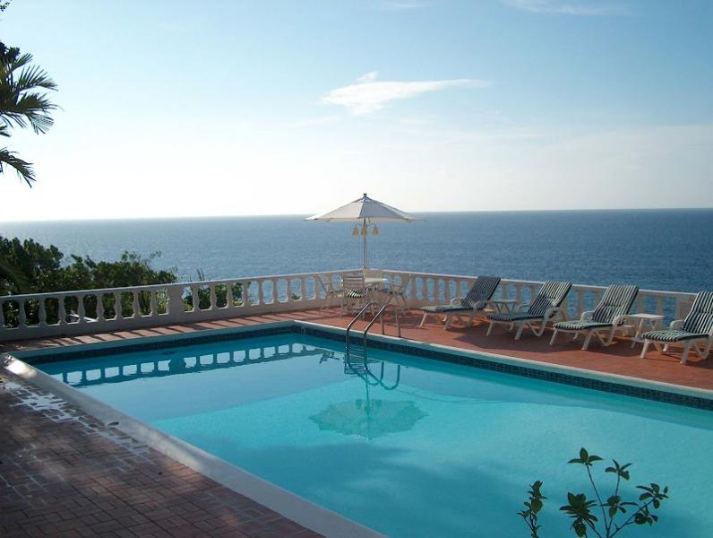 PARADISE PES - 92723 - WONDERFUL EXPERIENCES | 5 BED | OCEANFRONT |  VILLA WITH POOL - OCHO RIOS - Image 1 - Ocho Rios - rentals