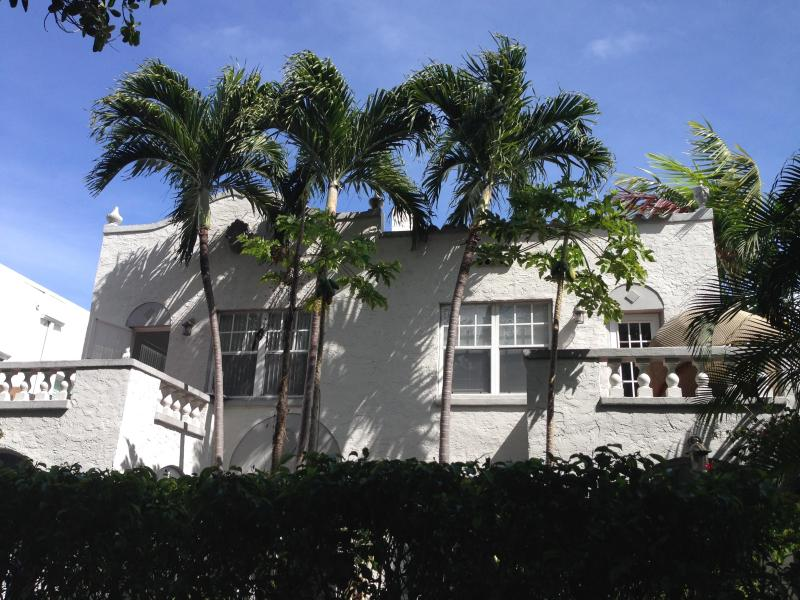 2BR Middle of South Beach 10 min walk to Beach/Lincoln Rd - Image 1 - Miami Beach - rentals