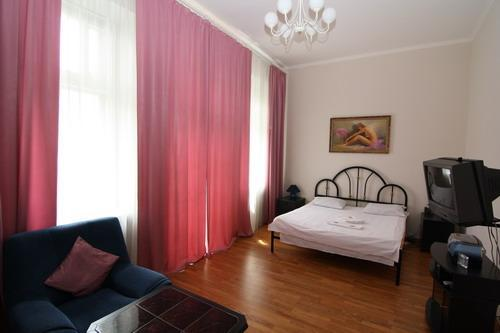 The most central apartment in Kiev near St. Sophia - Image 1 - Kiev - rentals