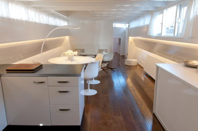 Most exclusive houseboat in downtown Amsterdam - Image 1 - Amsterdam - rentals