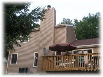 Outside - Spacious 3Bedroom Across from Lake & Next to Pools - Bushkill - rentals