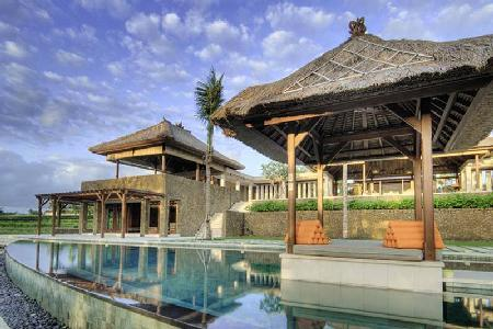 Villa Puribawana - Famously designed villa with a series of pavilions with pool & ideal for families - Image 1 - Canggu - rentals