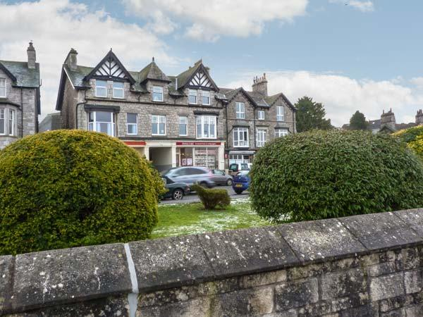 MOUNTAIN VIEW, spacious apartment, stunning views, promenade location, in Arnside, Ref 20672 - Image 1 - Arnside - rentals