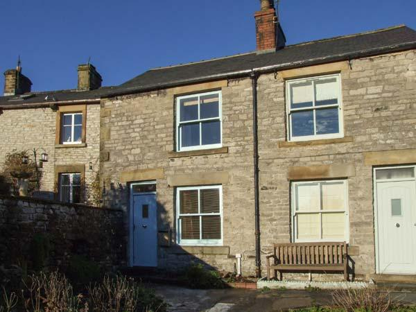 3 CHERRY TREE COTTAGES, countryside views, woodburner, in Bradwell, Ref 17586 - Image 1 - Bradwell - rentals