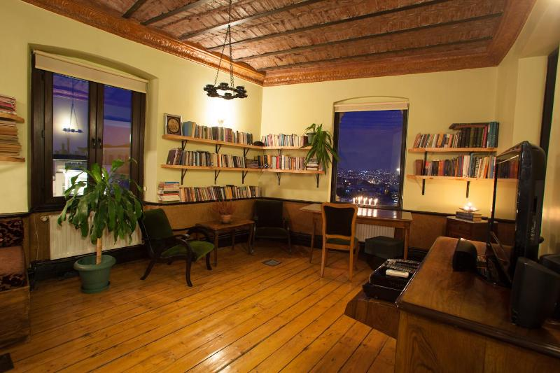 UNIQUE OTTOMAN FLAT- CENTER OF ISTANBUL - Image 1 - Istanbul - rentals