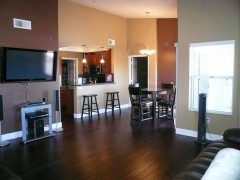 Great room - Flagstaff Luxury Condo w/ Beaut. Views & Amenities - Flagstaff - rentals