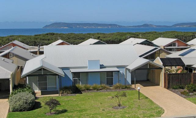19th Hole Beach House - 150metres to shore of Middelton Bay in Albany Western Australia - 19th Hole Beach House - Albany - rentals
