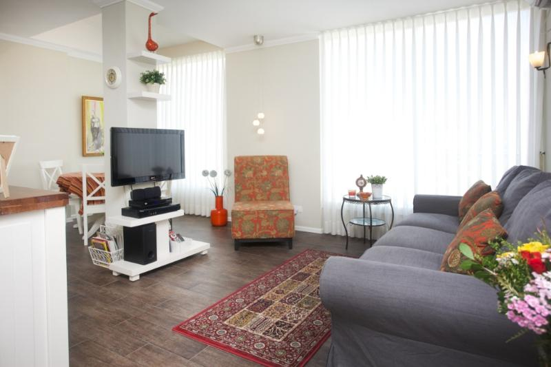 Lli's Place 2BR Quality apartment 3 min to beach - Image 1 - Herzlia - rentals