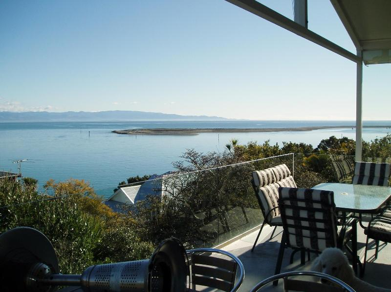 The view of the harbour & Tasman Bay - Kimberley House 3: Fantastic harbour & bay view - Nelson - rentals