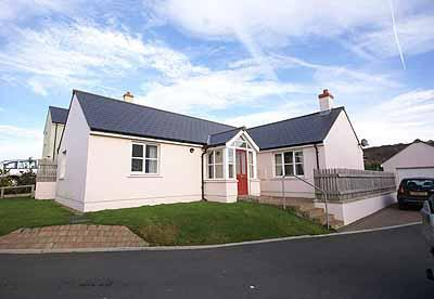 Pet Friendly Holiday Home - Ar Lan Y Mor, Broad Haven - Image 1 - Broad Haven - rentals